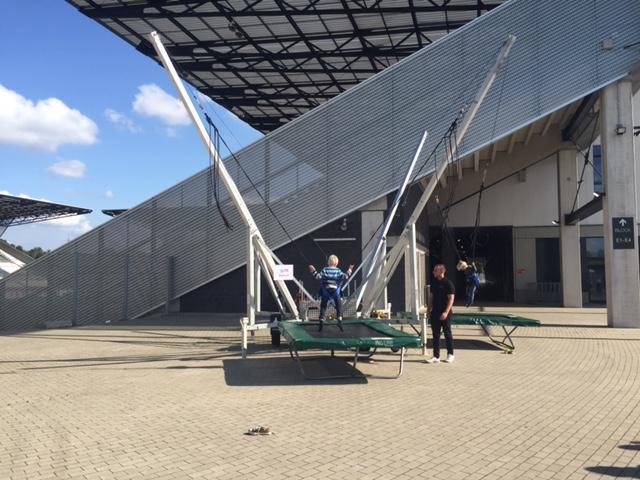 2er bungee trampolin mieten duo jump leihen bungee. Black Bedroom Furniture Sets. Home Design Ideas