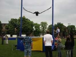 jumping seat mieten jumpseat leihen bungee jumping. Black Bedroom Furniture Sets. Home Design Ideas