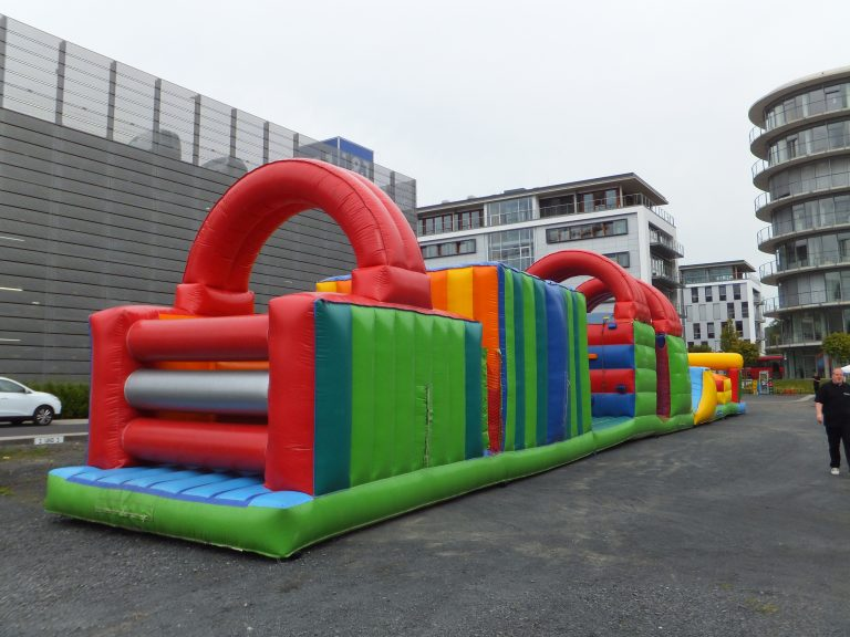 Riesen Actionmanbahn