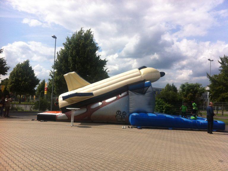 Riesenrutsche Raumschiff