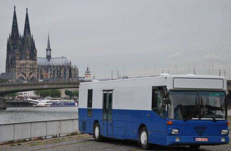 Hotelbus1